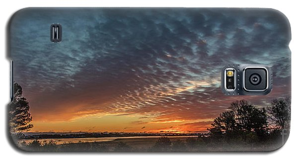 Galaxy S5 Case featuring the photograph Sunrise At Biddeford Pool,maine by David Bishop