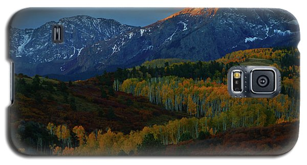 Galaxy S5 Case featuring the photograph Sunrise At Dallas Divide During Autumn by Jetson Nguyen