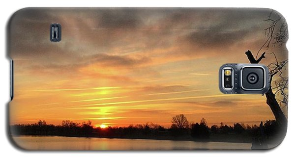 Galaxy S5 Case featuring the photograph Sunrise At Jacobson Lake by Sumoflam Photography