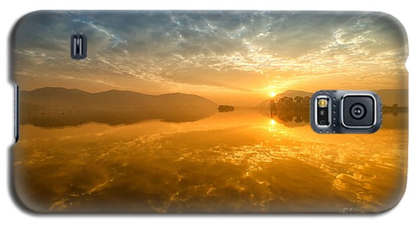 Sunrise At Jal Mahal Galaxy S5 Case by Yew Kwang