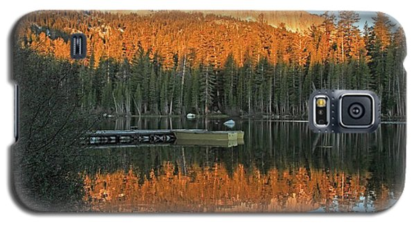 Galaxy S5 Case featuring the photograph Sunrise At Lake Mamie by Donna Kennedy