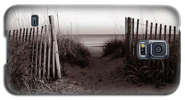 Sunrise At Myrtle Beach Sc Galaxy S5 Case by Susanne Van Hulst