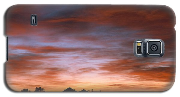 Sunrise At The Farm Galaxy S5 Case by Monte Stevens