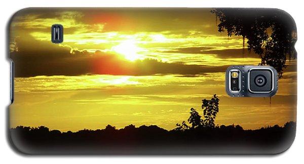Sunrise At The Lake Galaxy S5 Case