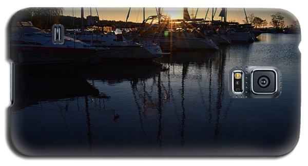 Sunrise At The Marina  Galaxy S5 Case by Lyle Crump