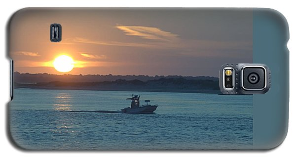 Galaxy S5 Case featuring the photograph Sunrise Bassing by  Newwwman