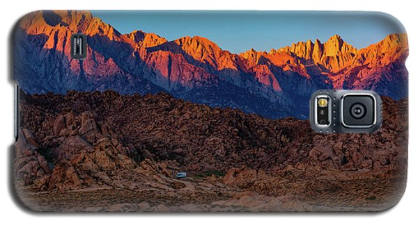 Sunrise Illuminating The Sierra Galaxy S5 Case