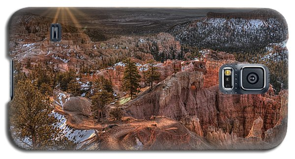 Galaxy S5 Case featuring the photograph Sunrise In Bryce Canyon by Wendell Thompson