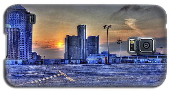 Sunrise In Detroit Mi Galaxy S5 Case by Nicholas  Grunas