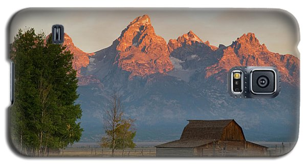 Galaxy S5 Case featuring the photograph Sunrise In Jackson Hole by Steve Stuller