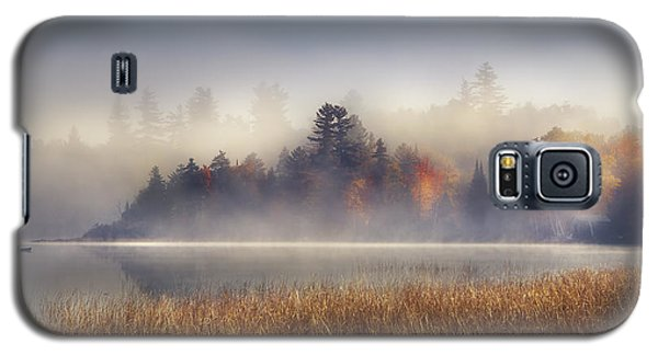 Boat Galaxy S5 Case - Sunrise In Lake Placid  by Magda  Bognar