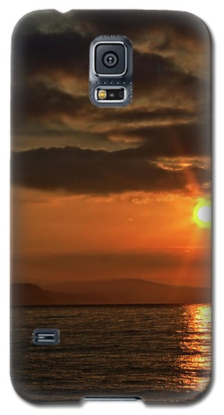 Galaxy S5 Case featuring the photograph Sunrise In Portland by Baggieoldboy