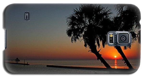 Galaxy S5 Case featuring the photograph Sunrise On Pleasure Island by Judy Vincent
