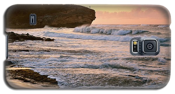 Sunrise On Shipwreck Beach Galaxy S5 Case by Marie Hicks