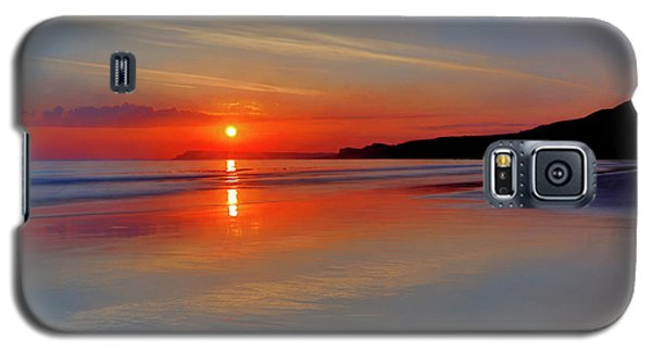 Galaxy S5 Case featuring the photograph Sunrise On The Coast by Roy McPeak