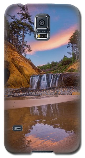 Galaxy S5 Case featuring the photograph Sunrise Over Hug Point by Darren White