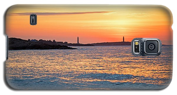 Sunrise Over Thacher Island From Long Beach In Gloucester Ma Golden Sunrise Galaxy S5 Case