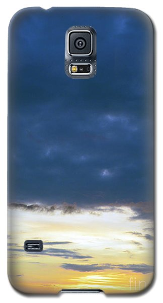 Sunrise Over The Cascades Galaxy S5 Case