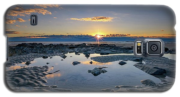 Galaxy S5 Case featuring the photograph Sunrise Over Wells Beach by Rick Berk