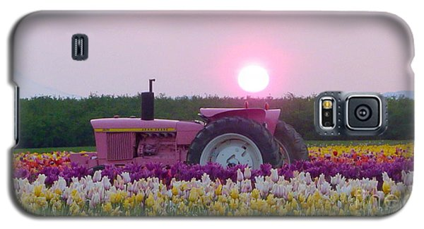 Sunrise Pink Greets John Deere Tractor Galaxy S5 Case