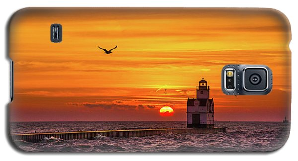 Galaxy S5 Case featuring the photograph Sunrise Solo by Bill Pevlor