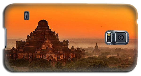 Sunrise View Of Dhammayangyi Temple Galaxy S5 Case