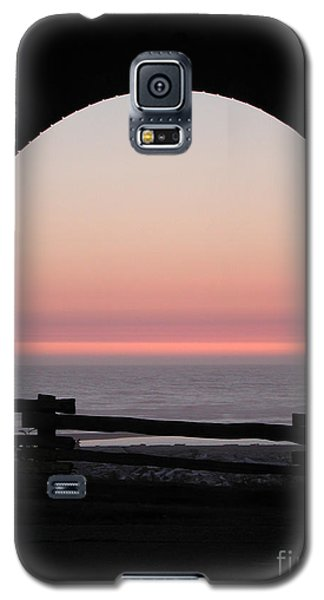 Sunset Arch With Fog Bank Galaxy S5 Case