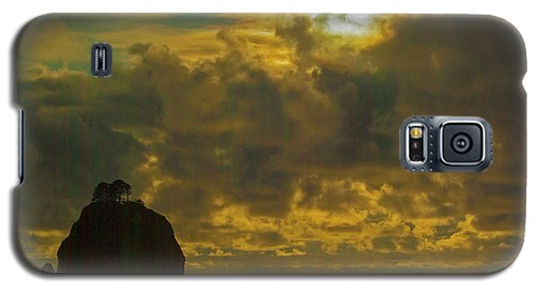Galaxy S5 Case featuring the photograph Sunset At Jones Island by Dale Stillman