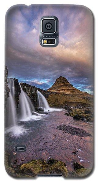 Galaxy S5 Case featuring the photograph Sunset At Kirkjufellsfoss by Roman Kurywczak