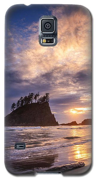 Galaxy S5 Case featuring the photograph Sunset At Second Beach by Dan Mihai