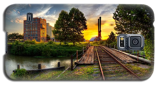 Sunset At The Imperial Sugar Factory Smoke Stacks Early Stage Landscape Galaxy S5 Case by Micah Goff