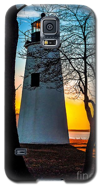 Galaxy S5 Case featuring the photograph Sunset At Turkey Point Lighthouse by Nick Zelinsky