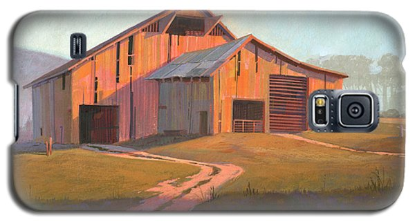 Galaxy S5 Case featuring the painting Sunset Barn by Michael Humphries