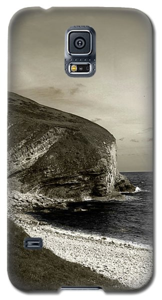 Galaxy S5 Case featuring the photograph Sunset Cliff by Sebastian Mathews Szewczyk