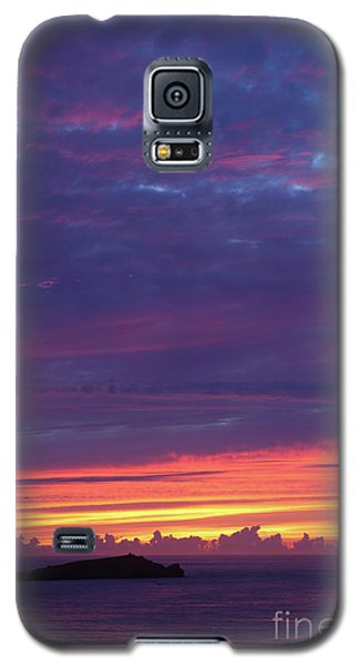 Galaxy S5 Case featuring the photograph Sunset Clouds In Newquay, Uk by Nicholas Burningham