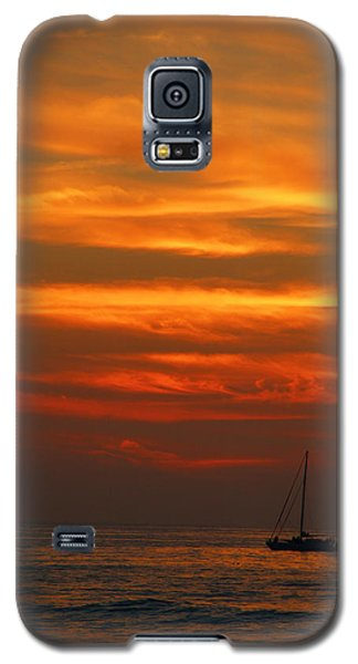 Galaxy S5 Case featuring the photograph Sunset Cruise Waikoloa Hawaii by Kerri Ligatich