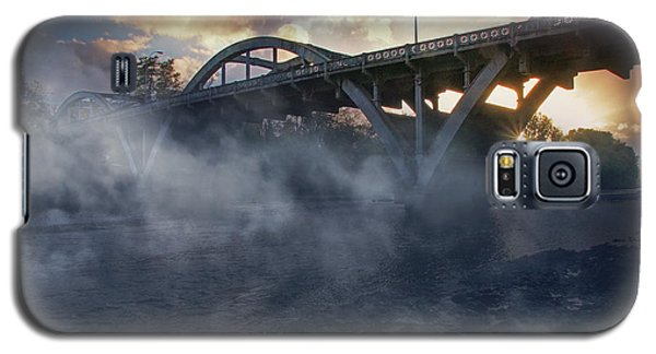 Sunset Fog At Caveman Bridge Galaxy S5 Case by Mick Anderson