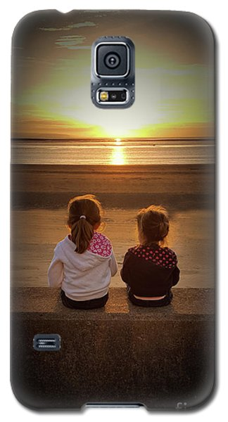 Sunset Girls Galaxy S5 Case by Lynn Bolt