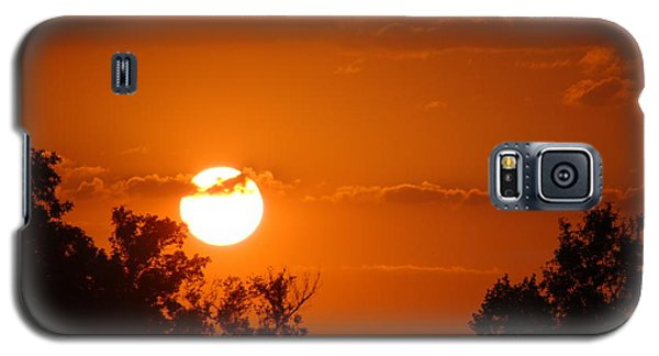 Galaxy S5 Case featuring the photograph Sunset In Charleston by Donna Bentley