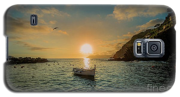 Sunset In Cinque Terre Galaxy S5 Case by Alex Dudley