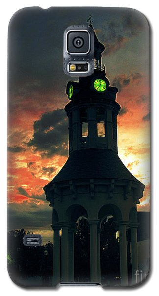Galaxy S5 Case featuring the digital art Sunset In Red Bluff by Irina Hays