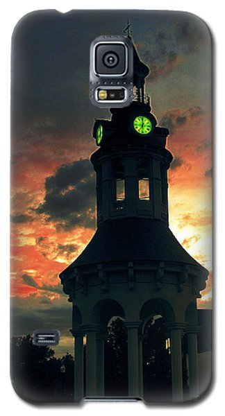 Sunset In Red Bluff Galaxy S5 Case by Irina Hays