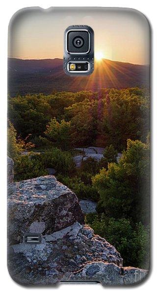 Galaxy S5 Case featuring the photograph Sunset, Mt. Battie, Camden, Maine 33788-33791 by John Bald