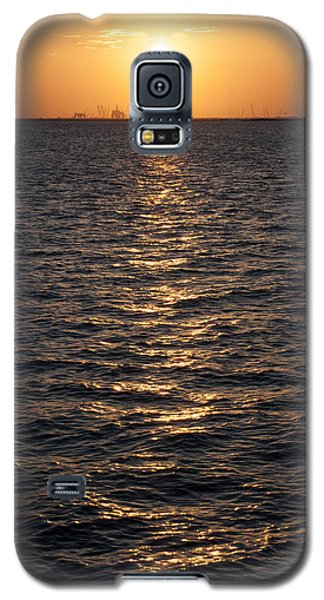 Sunset On Bay Galaxy S5 Case