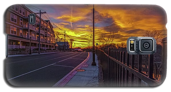 Sunset On Eliot St Milton Ma Galaxy S5 Case by Brian MacLean