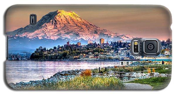 Sunset On Mt Rainier And Point Ruston Galaxy S5 Case