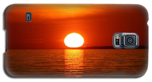 Galaxy S5 Case featuring the photograph Sunset On Superior by Paula Brown