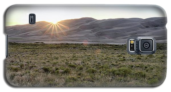 Sunset On The Dunes Galaxy S5 Case by Monte Stevens