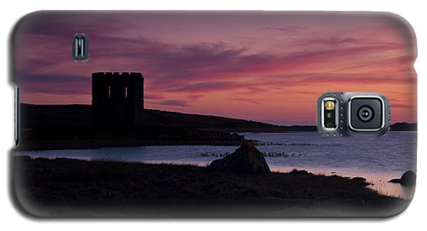 Galaxy S5 Case featuring the photograph Sunset On Uist by Gabor Pozsgai