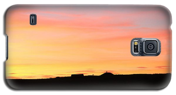 Galaxy S5 Case featuring the photograph Sunset Over Cairnpapple by RKAB Works